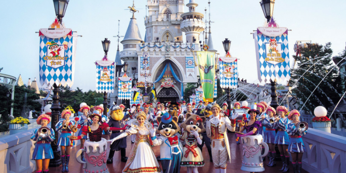 Korea Seoul Lotte World Theme Park Parade 800×400