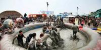 Korea Summer Best Boryeong Mud Festival Mud Pool Fighting 800×400